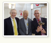 Mr. Bob Luck (left), President Japan and Mr. Gio Twigge, VP of Human Resources, IDEXX(Nov. 19. 2014)